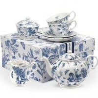 The Botanic Blue collection by Portmeirion is reminiscent of a French antique toile fabric with soft blue floral motifs set against a fresh white background.&nbsp;<br /><br />Featuring a delicate spot background and delightful scalloped edges, Botanic Blue has a charming antique style and comes beautifully packaged making it a truly perfect gift.&nbsp;<br /><br />The classic Botanic Blue design has a subtlety that ensures a timeless appeal. And, as you can expect from Portmeirion, it is made from the highest quality materials.