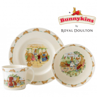Unique in their design with a long history, Bunnykins items feature a variety of adorable bunny motifs, from playing outside and eating dinner to commemorative christening scenes and beyond. Dinner plates, mugs and cereal bowls have all been designed to perfectly fit the smallest of hands so they're easy to use.