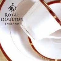 "<p class=""bodytext"">Lexington's deep red border incorporates blocks of rich gold, and features a luncheon plate with a checkerboard effect in warm cream. Trimmed in gold, Lexington is a wonderful choice for your formal dinner parties. The gold trim on this pattern means it is not safe for use in the microwave.</p>