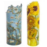 Beswick have joined with Parastone, a long established Dutch art company, to produce this range of quality ceramic vases. The collection consists of seven Silhouette d'art movseion Vases, including Van Gogh Sunflowers, Van Gogh Irises, Klimt Three Ages Of Women, Klimt The Kiss, Monet Water Lilies, Hokusai Lilies and Hokusai Birds and Flowers.