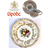 "<p class=""bodytext"">With its lavish use of gilding, Golden Valley is classic Victorian-period Spode. This aptly named pattern features an abundance of 22-carat gold combined with a series of unsurpassed hand-painted autumn ripe fruit studies on the classic Spode Stafford shape.&nbsp;Setting a lively table with an extra touch of refinement, Golden Valley is best cared for when hand-washed.</p>