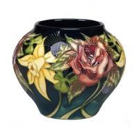 <strong><span>Selection of various commemorative pieces by Moorcroft Pottery</span></strong>