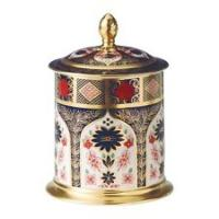 <span>With a wide and extensive collection of designs, Royal Crown Derby is the destination for luxury giftware whether you're looking for something traditional or a statement piece, you're sure to find that perfect piece to mark a special occasion.</span>