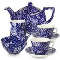 <p><span>Burleigh's ever-popular calico collection has been produced continuously in their Stoke-on-Trent factory for over 40 years. Although unique, this famous pattern was derived from early Victorian designs which in turn had roots in Chinese porcelain; the deep cobalt blue print representing fallen prunus blossom onto cracked ice.</span></p>