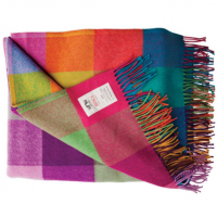 <p>Blankets & Throws by Avoca.</p>