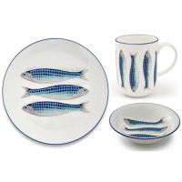 <strong><span>Available In-Store only</span></strong><br /><br /><span>Harlequin Blue is a coastal range of fine bone china tableware. The fish plates, platters, pottery mugs and ceramic jugs are decorated with shimmering fish with rhombus-shaped scales in vibrant blue hues. Each piece in the Jersey Pottery Harlequin Blue range is finished with a hand-painted deep blue rim to produce a beautiful, elegant set of coastal ceramics for your seaside or city home.</span>