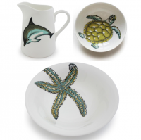 <span><strong>   Available In-Store only</strong></span><br /><br /><span>Named after the mythical god of the seas, Neptune by Jersey Pottery is a sparkling collection of everyday ceramics featuring six popular and iconic marine creatures. Universally adored, the beautifully drawn puffin, starfish, dolphin, seahorse, turtle and whale designs are complemented by the ocean-colour palette background. Neptune is made from durable new bone china.</span>
