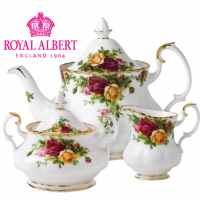 Revel in the beauty of vintage flair with the Old Country Roses Collection, a tableware set inspired by a quintessentially English country garden with roses in full bloom. A long-standing testament to timeless style and elegant craftsmanship, Old Country Roses originally launched in 1962 and is the epitome of fine English tea ware and world-renowned for being synonymous with Royal Albert. <br /><br />Clusters of red, pink and yellow roses have been designed in flamboyant flair with their striking edges and unique shape - complemented by subtle ruffling and gold gilding. Discover a full service that is sure to strike attention from your guests and create the perfect mood for traditional fare in a modern setting.